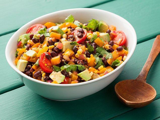 11. Zeytinyağlı barbunya mı kaldı meksika fasulyeli salatayı denemelisiniz!