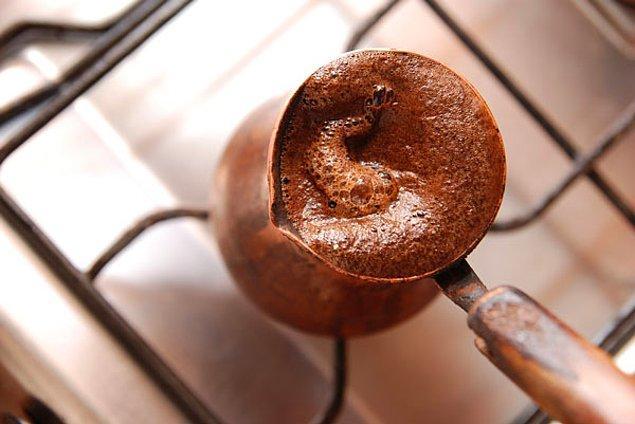 1. Türk kahvesinin pişirme yöntemi dünyanın en eski kahve pişirme yöntemidir.