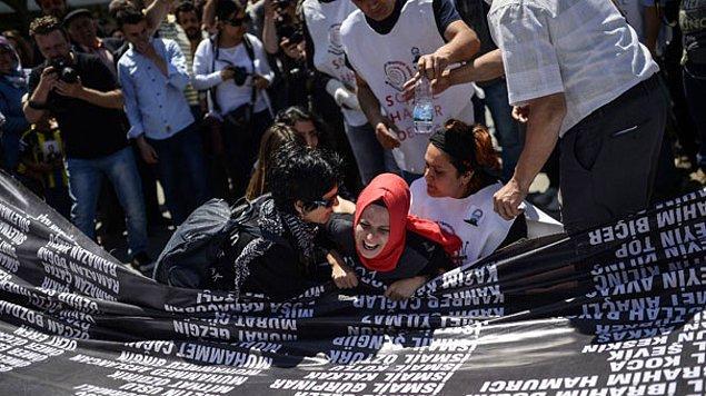 301 işçinin hayatını kaybettiği Soma katliamının yıl dönümü dolayısıyla ilk miting dün Şehit Madenci Aileleri ve Sosyal Haklar Derneği'nin çağrısıyla düzenlendi.