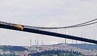 Galatasaray Bayrağı İpleri Kesilerek Denize Atıldı