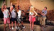 Şarkılara Vintage Havası Katan Ekipten İnanılmaz 'Barbie Girl' Performansı