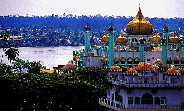 42. Bahagian Kuching Camii, Sarawak, Malezya