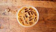 Buzlu Kahvenin Yazın En Mükemmel İçeceği Olduğunun 10 Kanıtı