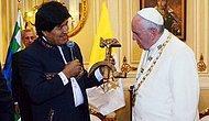 Morales'den Papa'ya 'Sembolik' Hediye: Orak Çekiç Şeklinde Haç