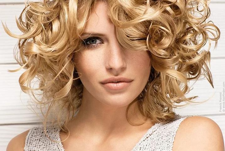Gündelik saç modelleri çeşitliliği ile sürpriz