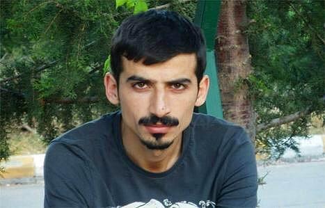 27 yaşındaki İngilizce öğretmeni Süleyman Aksu