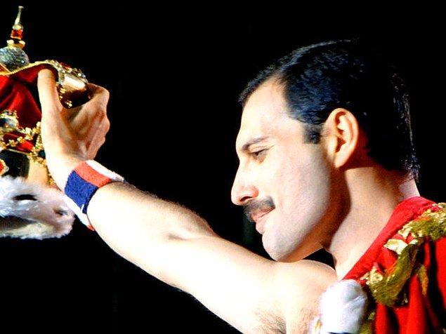 """""""Freddie Mercury"""" çıktı!"""