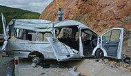 Kapasitesinin İki Katı Yolcu Taşıyan Minibüs Kaza Yaptı: 11 Ölü