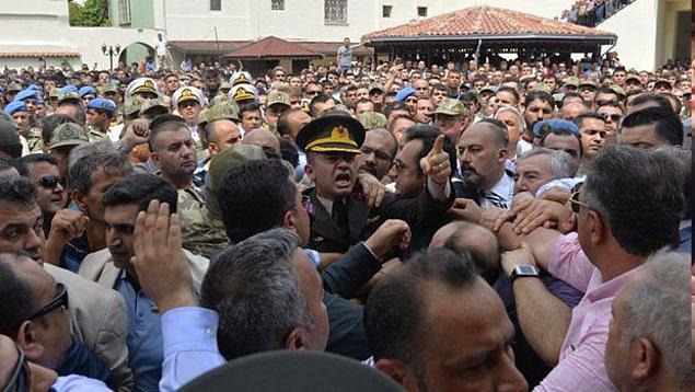 2. Şehit Yüzbaşı Alkan'ın Cenazesindeki Protestolarda Erdoğan'a Hakaretten 2 Kişi Tutuklandı