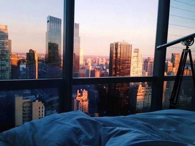 5. Geç saatlerde dışarıdayken yatağında olamadığı için pişman olmak, şikayet etmek.