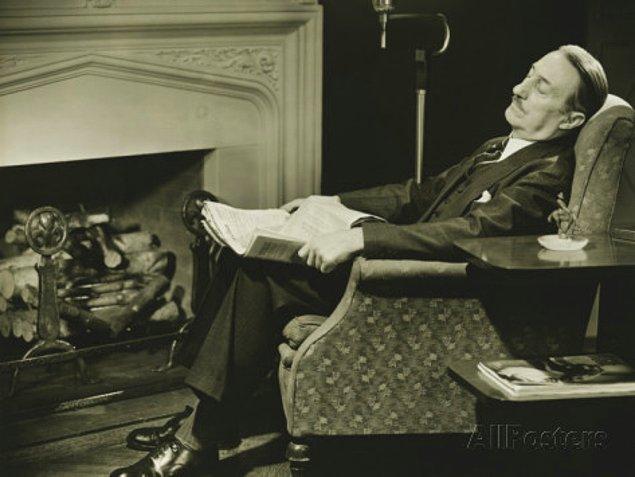 3. Televizyon izlerken o favori koltukta uyuyakalmak