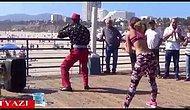 Sokakta Kalça Dansı