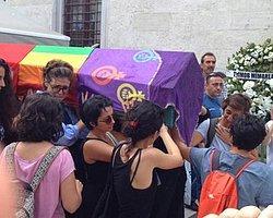 'Muhbirler' LGBTİ bayrağının peşinde | Ayşe Yıldırım | Cumhuriyet