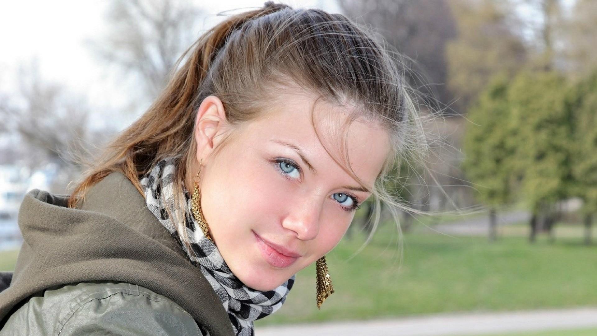Русские молодые девчонки, смотреть свежее зрелое порно