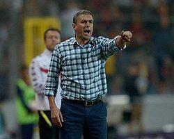 """""""Podolski'nin eline çarpıyor, hakemlerin takdiri"""""""