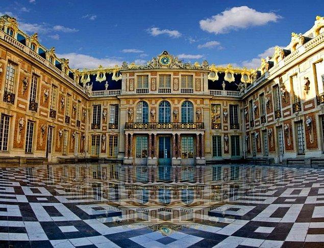 3. Versay Sarayı (Fransa)