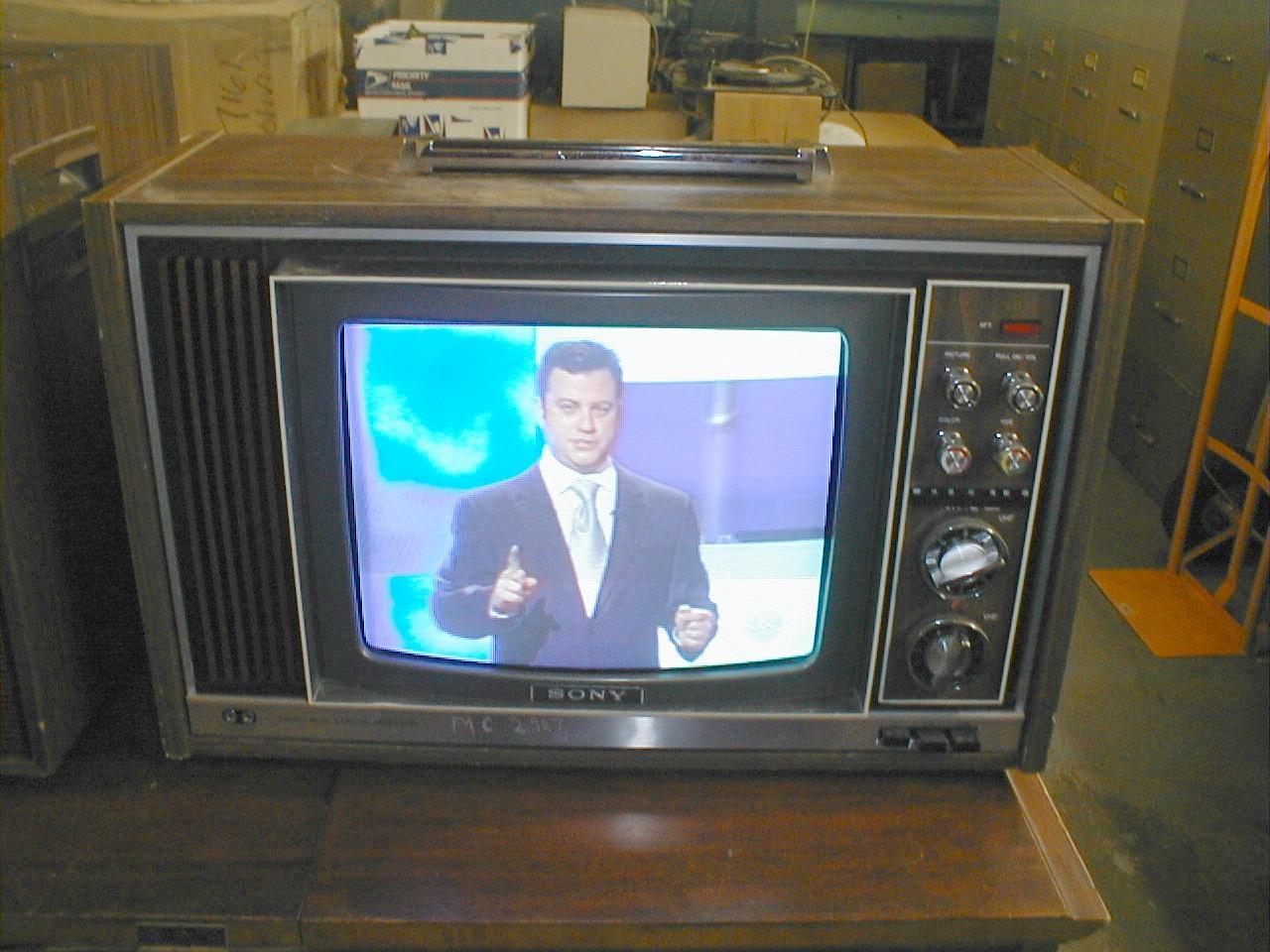 S E C C Ebc E E D E on Zenith System 3 Television