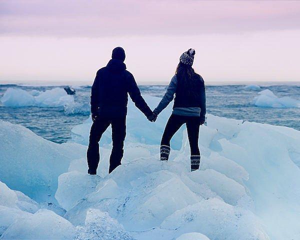 Джереми и Рейчел потребовалось время, чтобы решить в какой именно точке Исландии они станут мужем и женой.