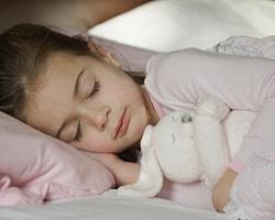 Uykuda Konuşmak Neden Olur