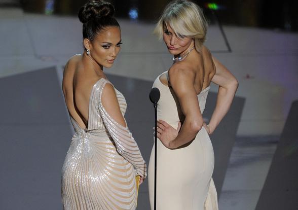 Vücudunun Alt Kısmı Kim Kardashiana Yakınsayan Kadınların