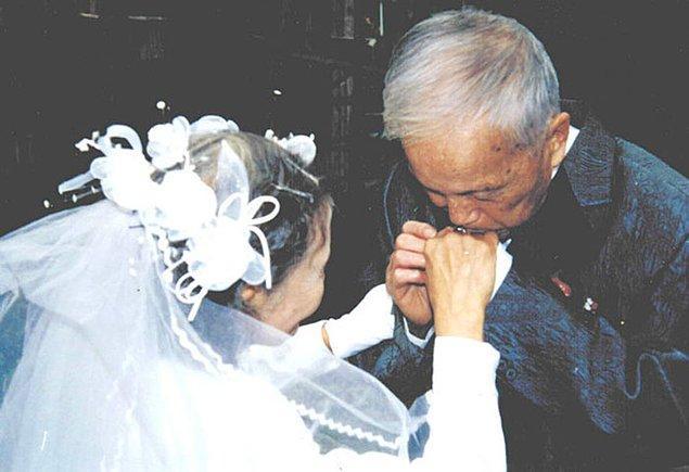 70 лет спустя они решили восстановить день свадьбы с помощью их 4-х детей