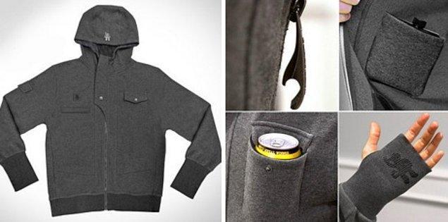 А как вам такая безумно удобная толстовка с карманом для фляжки, карманом для бутылки и застежкой-молнией, которая поможет открыть любую бутыль?