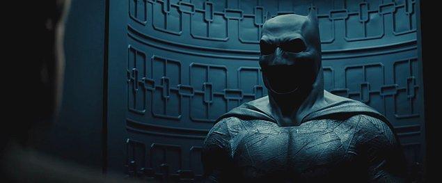 24. Bunların dışında Ben Affleck, ileride tek süperkahraman olarak oynayacağı bir Batman filmi olacağını açıkladı fakat Warner Bros henüz çıkış tarihini duyurmadı.