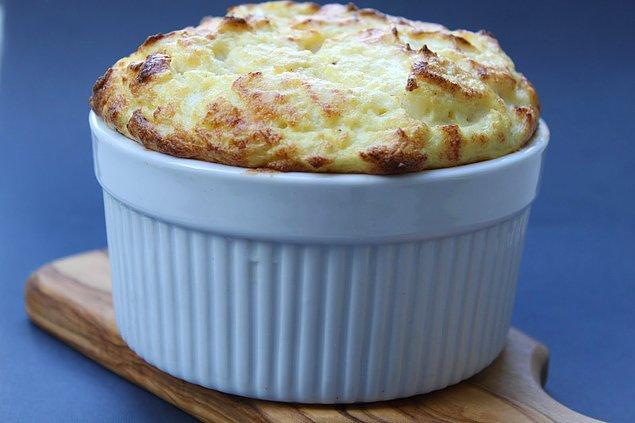 11. Bir ana yemek kadar doyurucu ve lezzetli: Karnabahar Sufle