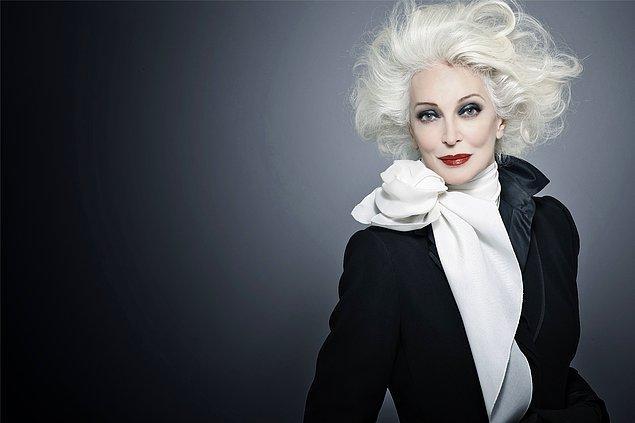 13. Resmi olarak modellik kariyerine en uzun süre devam eden kadın unvanına sahip 86 yaşındaki Carmen Dell'Orefice!