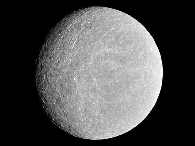 30. Satürn uysusu Rhea