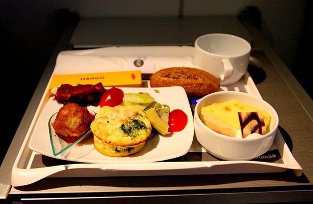 First class yemek ise şöyle: