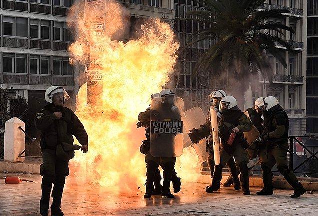Protesto gösterilerinden fotoğraflar