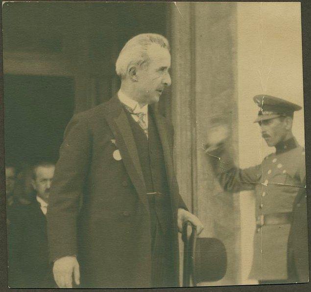 7. Türkiye'nin ilk başbakanı İsmet İnönü
