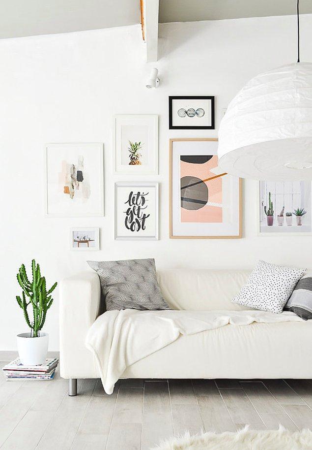 14. Elimde zaten tablolar var diyorsanız, onları bir galeri duvarı olarak yeniden düzenleyin