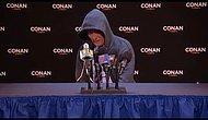 Conan O'Brien'den Cam Newton Basın Toplantısı Şakası
