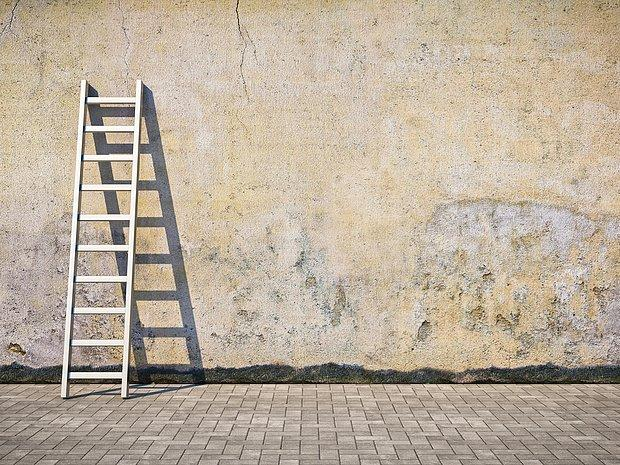Boş bir duvarın önü olsun, biz onu boyarız zaten.