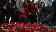 Ankara'daki Terör Kurbanlarına Karanfilli Anma