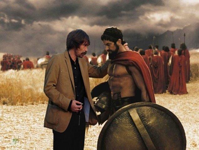 """10. """"Oğlum gidin üstünüze bir şey giyin lan! Çoluk çocuk var, adam gibi eşofman giyip öyle girin savaşa!"""""""