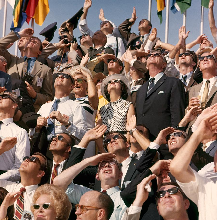 nasa crowds - HD1975×2000