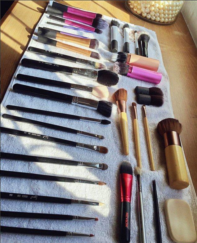 15. Instagram'da makyaj fırçalarını temizlemek