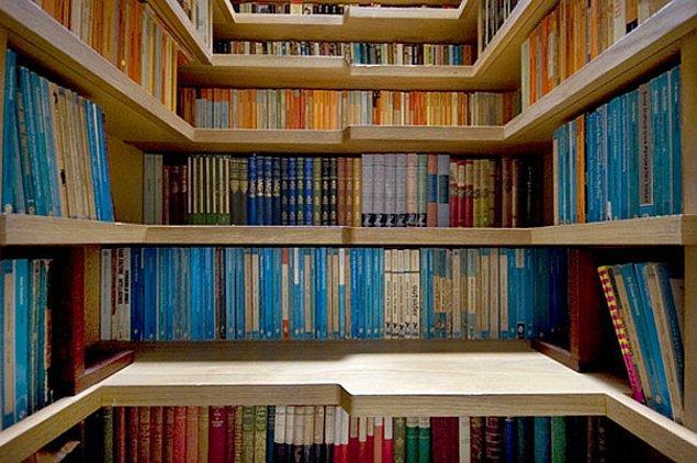 16. Merdiven kütüphanesi