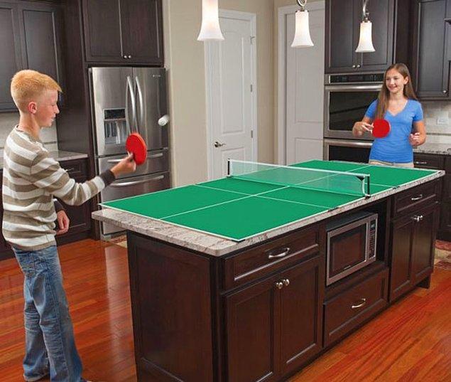 27. Üstünde masa tenisi oynayabileceğiniz mutfak tezgahı.