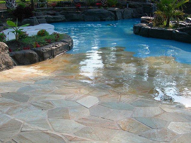 29. Şöyle bir ayaklarınızı ıslatıp serinleyebileceğiniz havuz