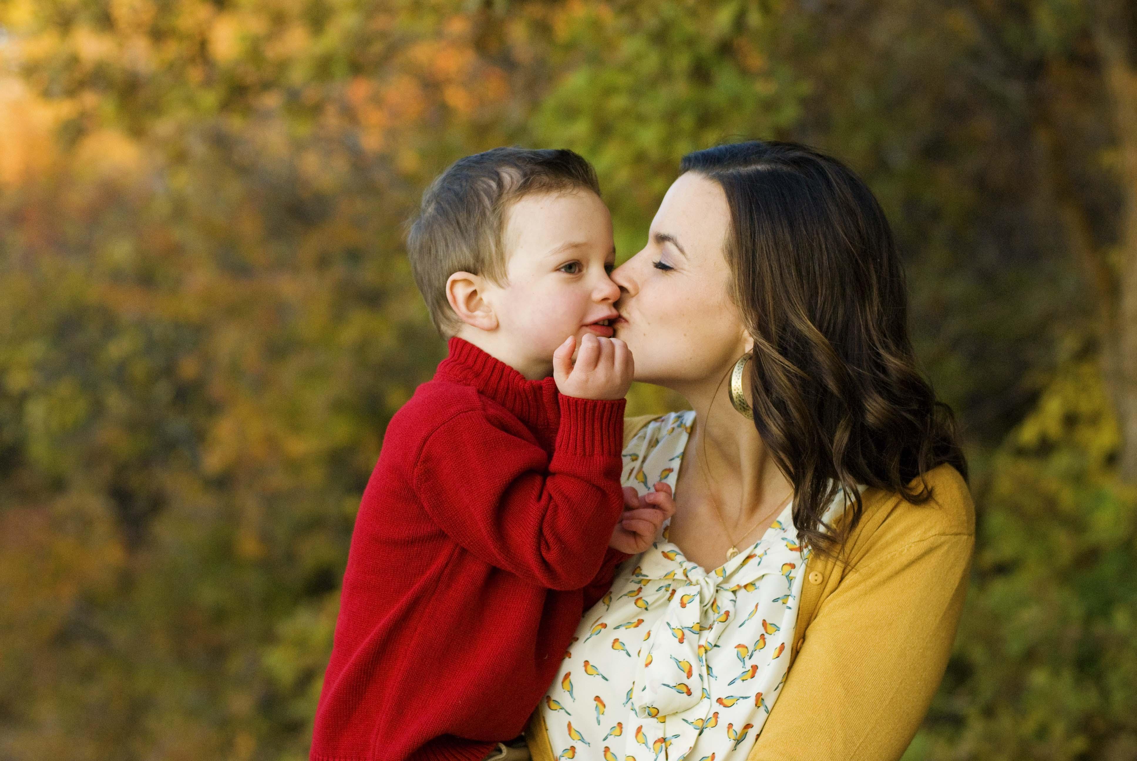 Статусы мама и маленький ребенок