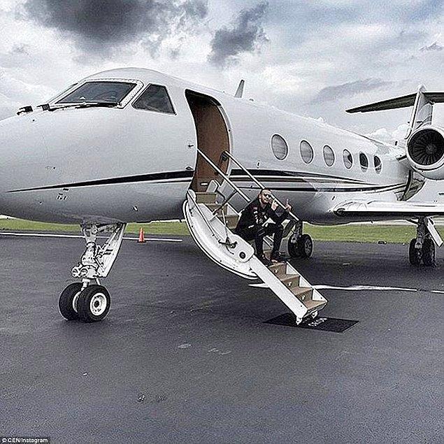 Rusya'nın zengin çocukları, tıpkı batılı akranları gibi ailesinin özel uçaklarında fotoğraf paylaşmayı ihmal etmiyor.