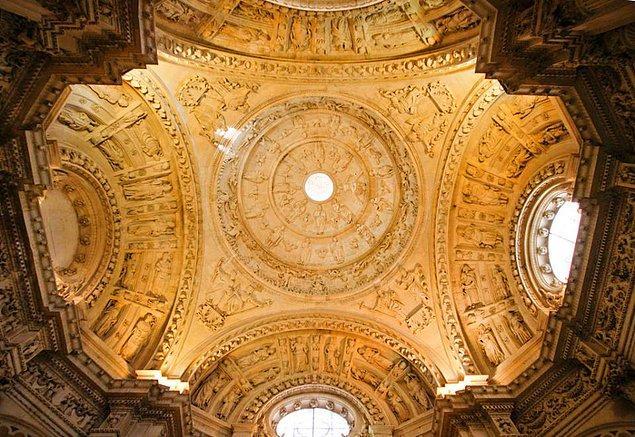 8. Sevilla Katedrali - Sevilla