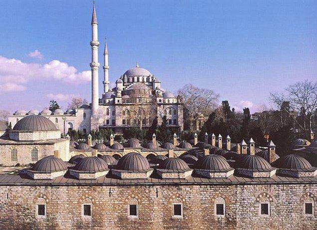 4. Fatih Camisi