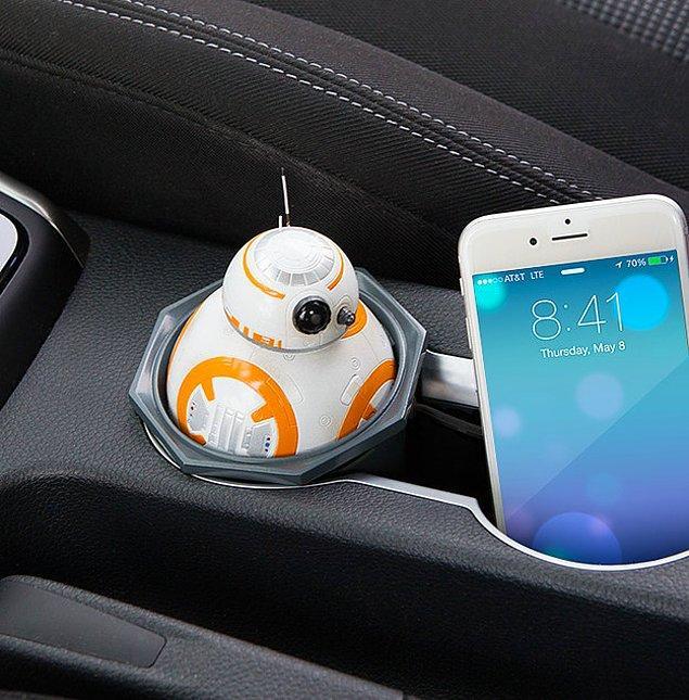 Зарядка для машины в виде BB-8 - отличная компания в поездке