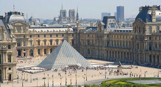 6. Louvre Müzesi