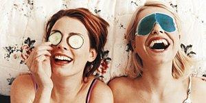 Bir Aşkın Gerçek Mağdurları: En Yakın Kız Arkadaşlarınızın Çektiği 14 Dert